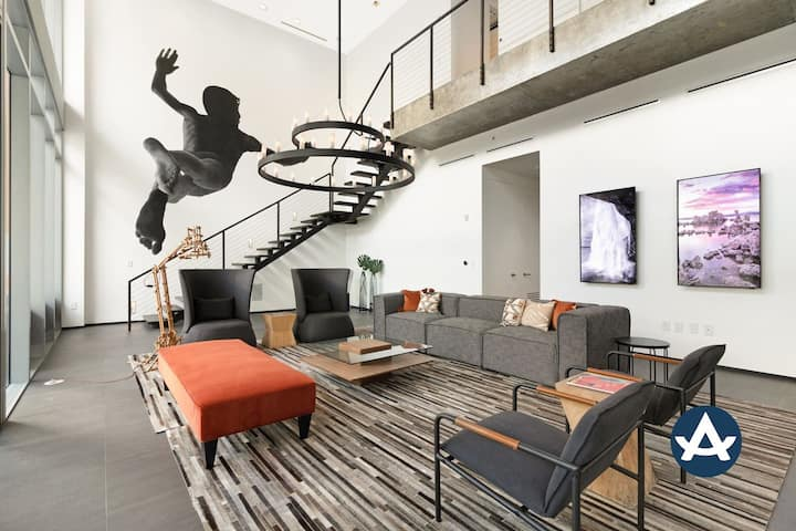 Sextant | Wynwood Penthouse | 3000SF Private Rooftop | 10 mins to South Beach