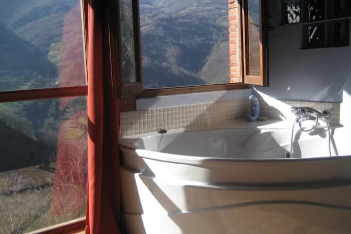 Jacuzzi con vistas espectaculares y chimenea