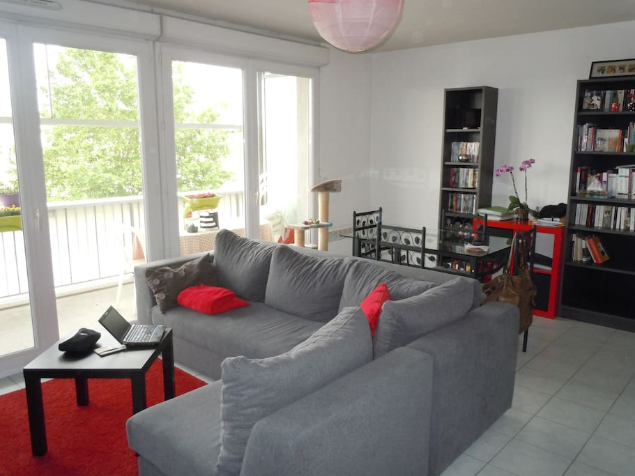Chambre calme proche gare tgv appartements louer for Location appartement proche bordeaux