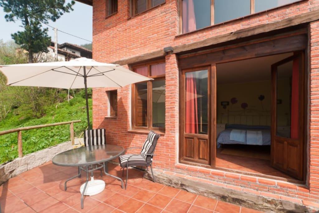 El Ablanu - Terraza con muebles de jardín y barbacoa