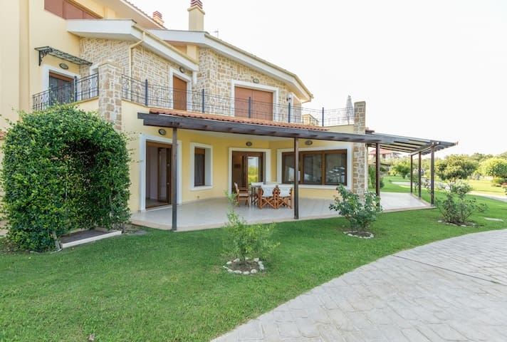Fresh New Villa at picturesque Afitos Chalkidiki - Afytos - Villa