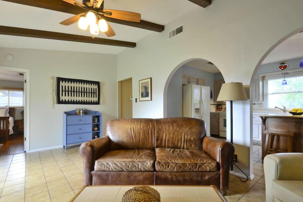 Common living area-