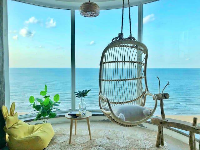 无遮挡180度一线无敌超值海景/国际海水浴场五星精装日式电梯公寓 在家看海出门60秒即海滩