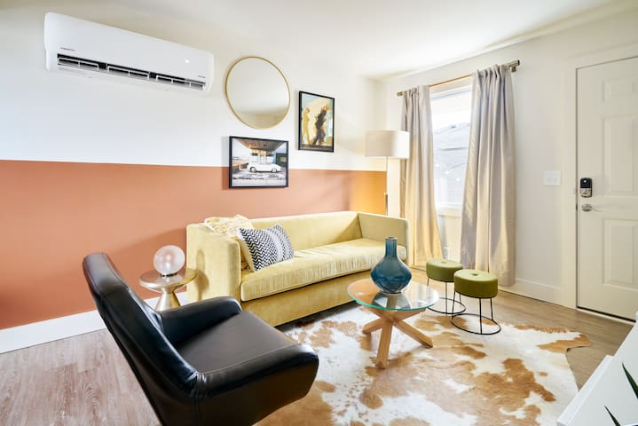 Sonder | State House | Bold 1BR + Sofa Bed