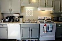 Newly renovated, clean, convenient, quiet & comfy