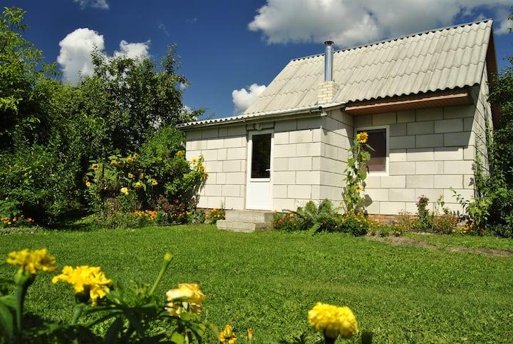 Отдельный двухэтажный домик в центре Шацка