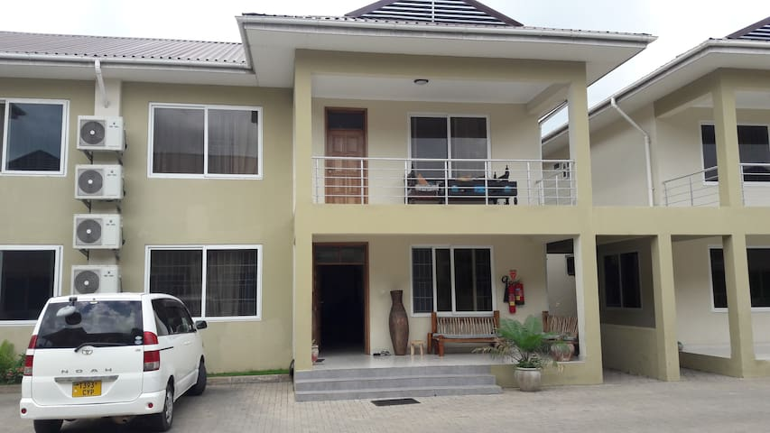 Beautiful 4 bedroom townhouse in Oysterbay