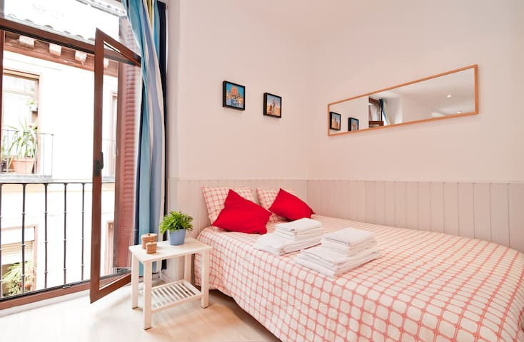 Madrid 2018 (with Photos): Top 20 Places to Stay in Madrid ...