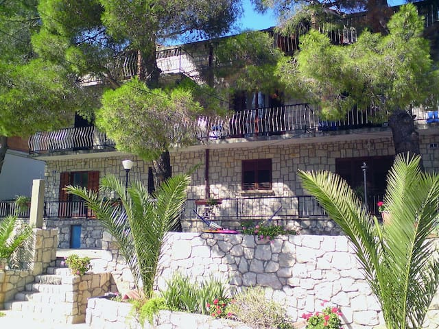 Three Pines Apartment One, Mljet, Okuklje - Okuklje - อพาร์ทเมนท์
