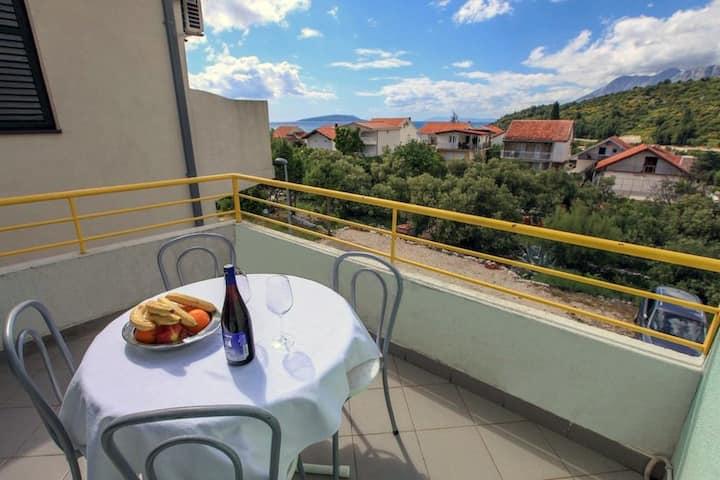 Villa Natali; Podaca - place to enjoy with family