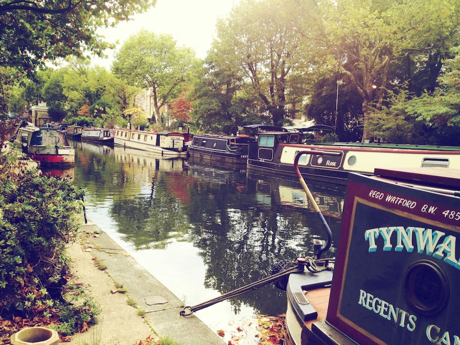 Little Venice 1 min walk from the flat