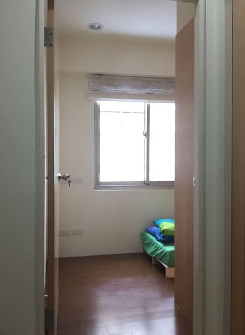 房門口舒適空間