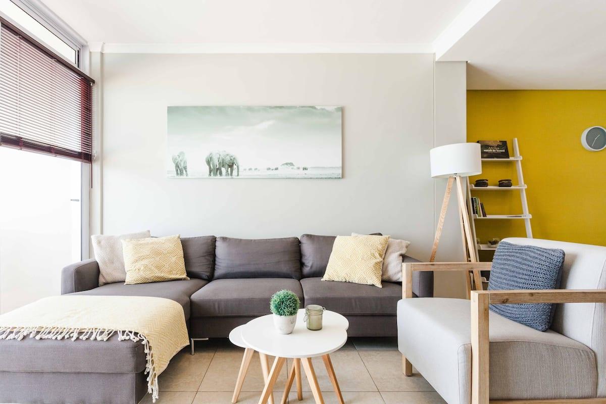 Enjoy Scenic Ocean Views from a Luxury Beachfront Apartment