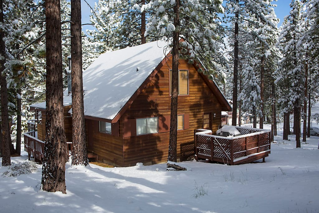Tahoe Cabin In Upscale Neighborhood Sleeps 8 Cabins For