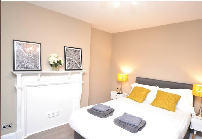 Studio apartment in Oxford Street