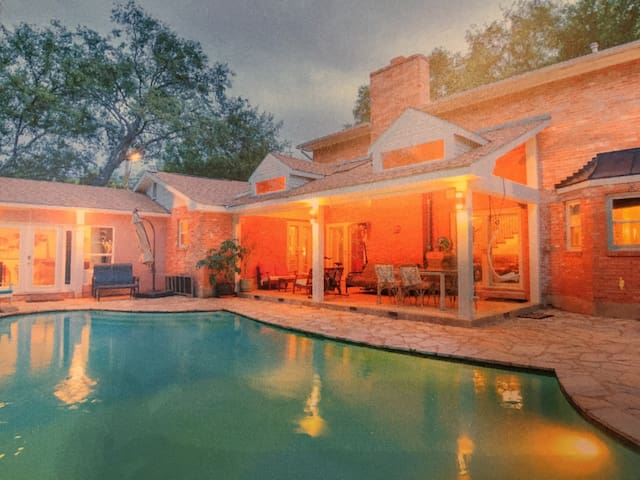 An oasis in historical Alamo Heights