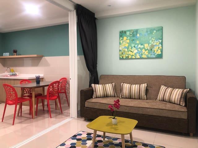 Breezy Tiff Suite KK,Sabah  亚庇芬尼套房 (J&S CO.)