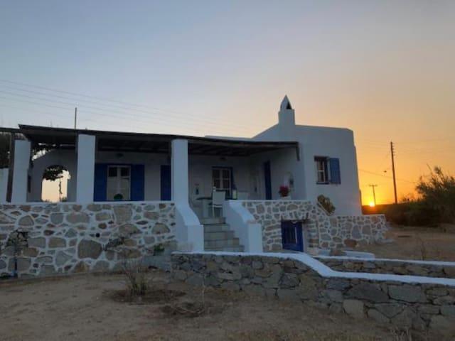 Mykonos, Ano Mera, Villa Elena