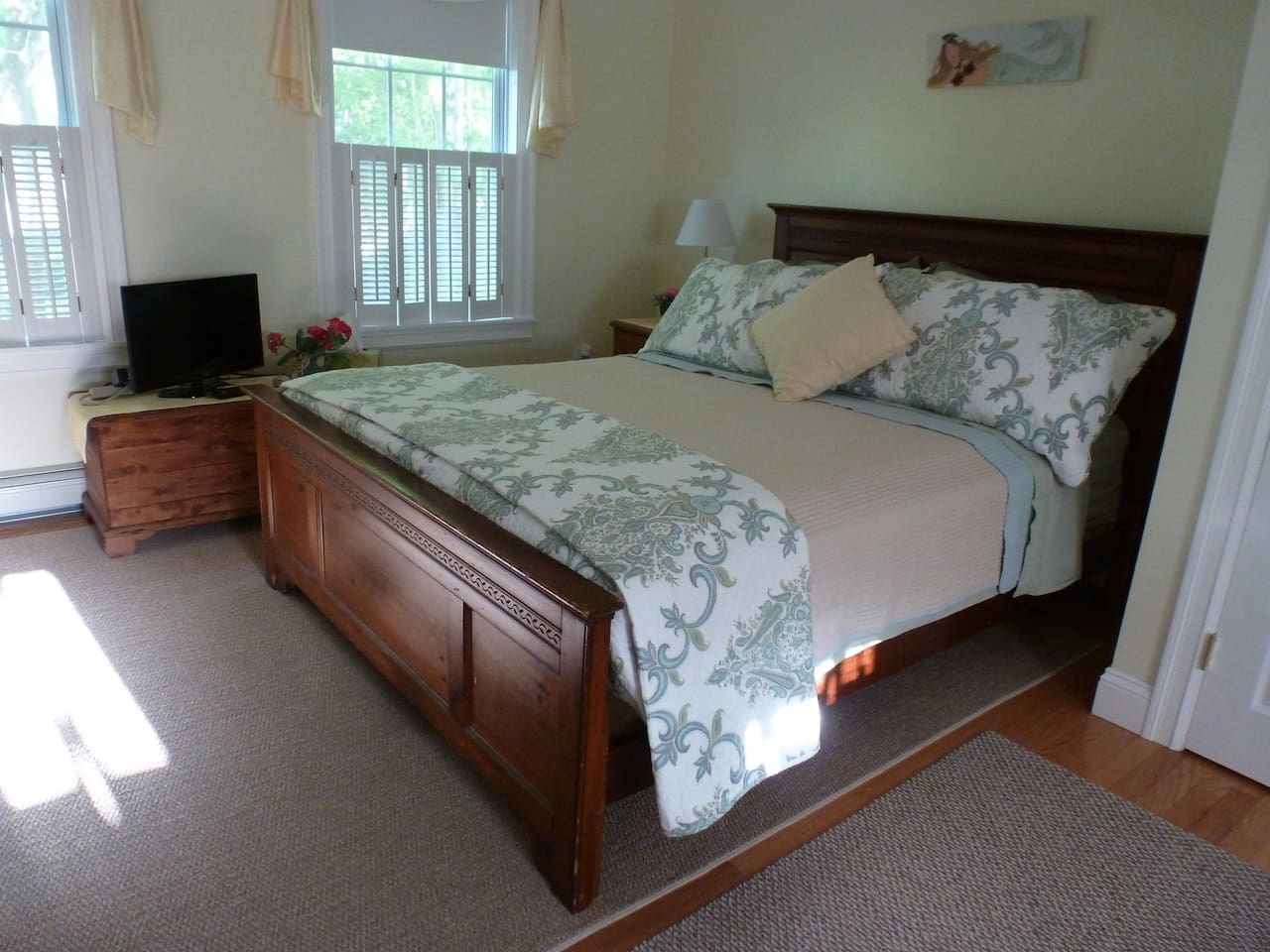 Cape Cod Queen Large Room Bourne