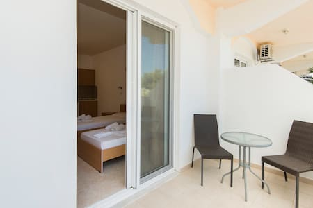 2 connected-studios for families with view and balcony - Faliraki