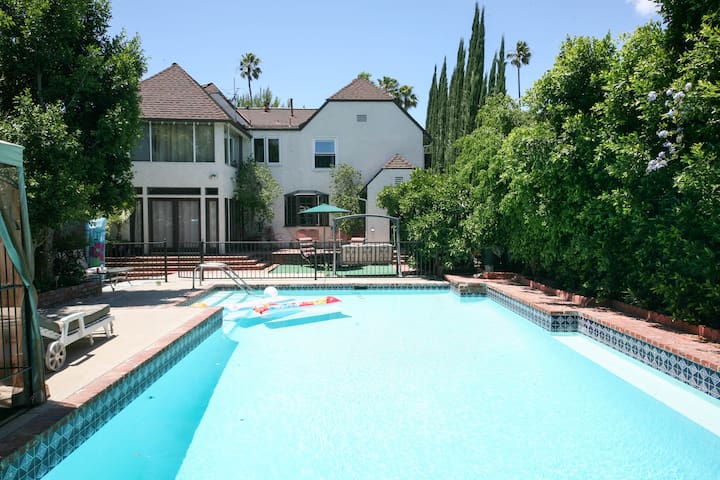 Great location on a budget, POOL - Los Angeles - Dom