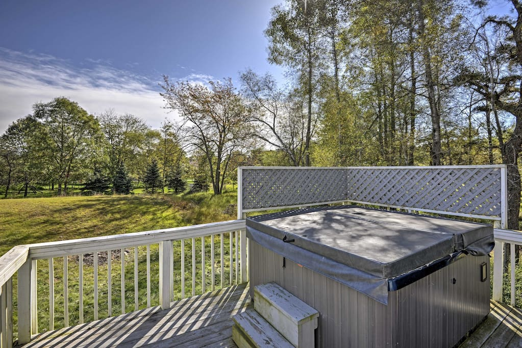 Enjoy the hot tub, game room, and several community amenities.