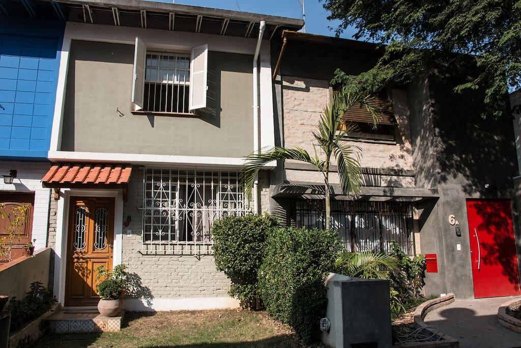 Art gallery house in pinheiros casas para alugar em s o paulo s o paulo brasil - The narrow house of sao paolo ...