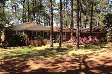 Beautiful Home near US Open - Whispering Pines - 獨棟