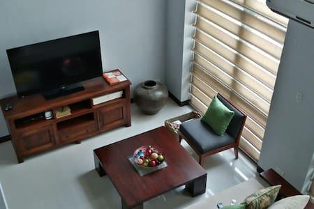 VIP LIFE-STYLE * EASTWOOD CITY WiFi - Quezon