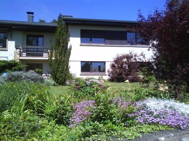 1 ou 2 chambres avec appartement privé - Obernai - Bed & Breakfast