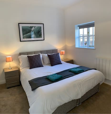 Ashbrook Lewis - two bedroom, two bathroom cottage nr Harwell Oxford