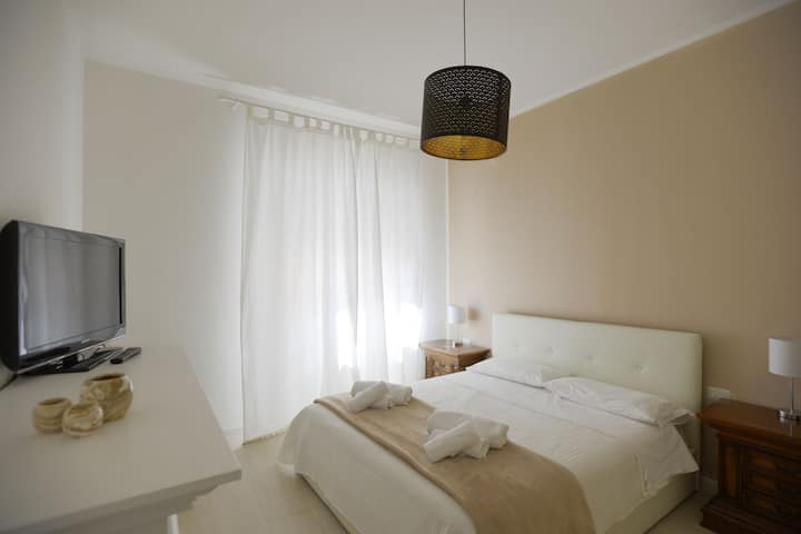 Alghero 82 - Room 8 (double room private bathroom)