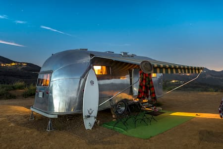 AIRSTREAM VINTAGE TRAILER ADVENTURE - Malibu