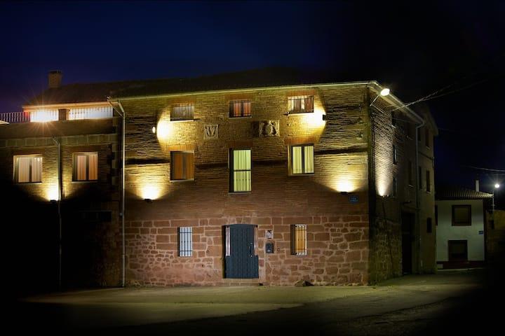 Casa Rural LarEmilia, alquiler completo.