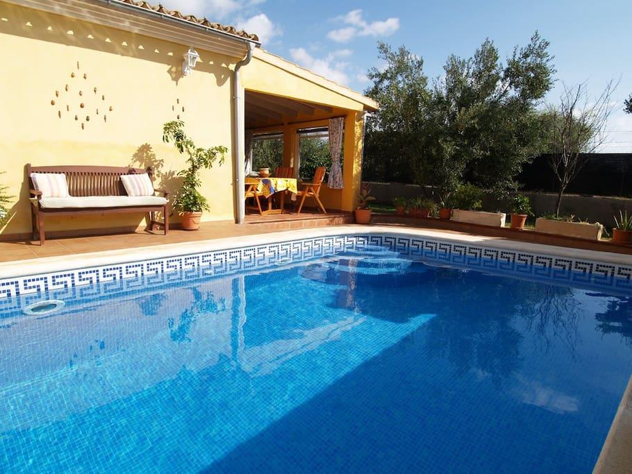 Casa de verano con piscina y cerca del mar houses for rent in santany islas baleares spain - Casa de verano con piscina ...