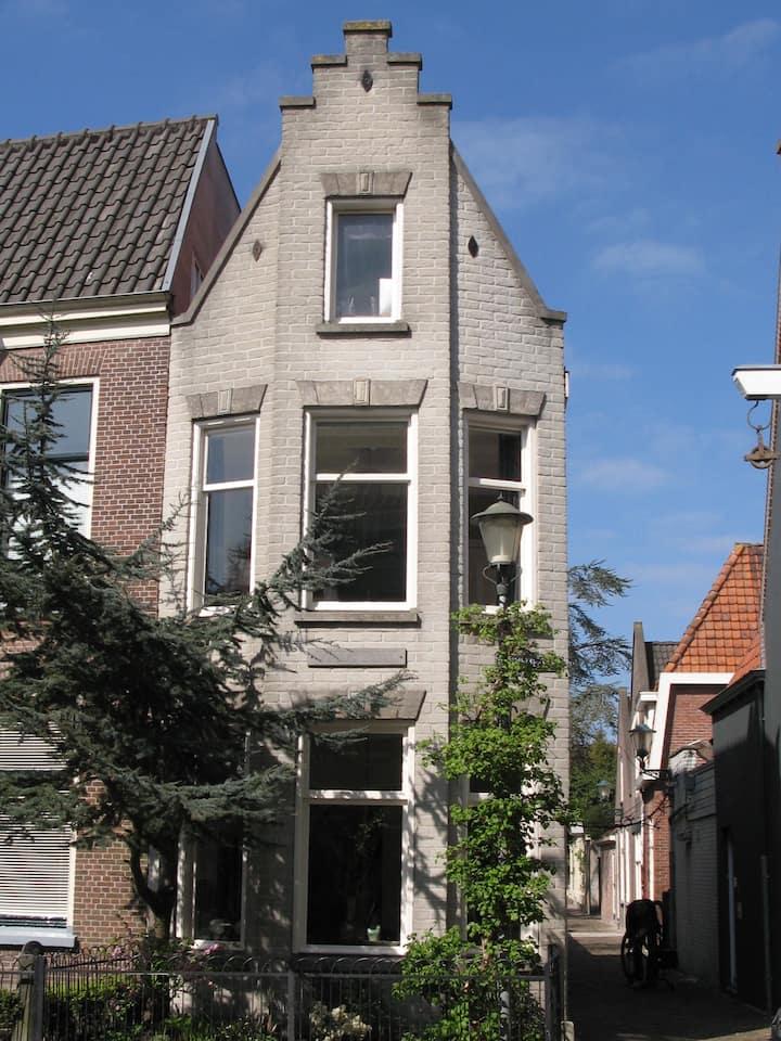 """""""Villa Small"""" in centrum Alkmaar"""