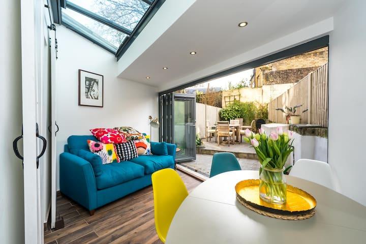 Modern & Stylish Garden Home in Islington ♥️