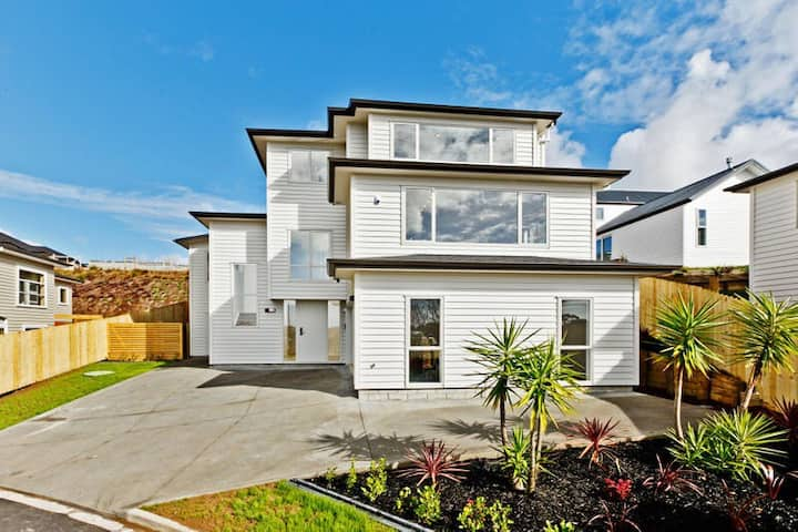 Orewa Beach Surfing,private room+lounge,Silverdale