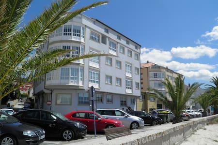 2 bed Apartment - Beachfront - Portosin - 公寓
