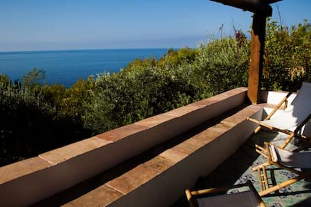 Villa for 9 w/private access to sea - Maratea - Villa