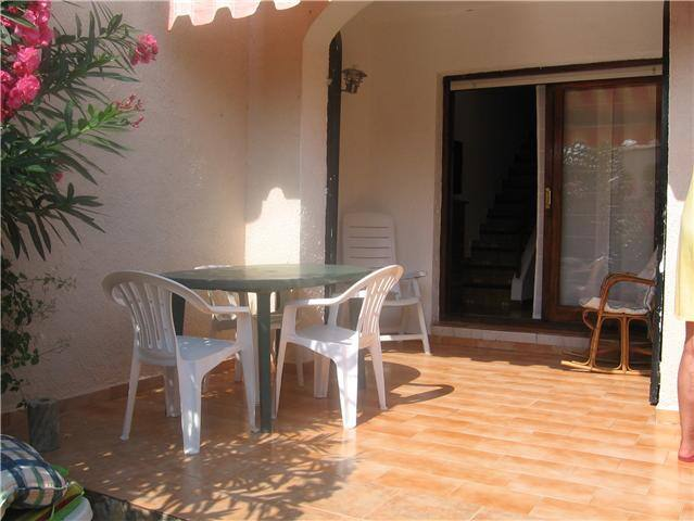 Beautiful townhouse 5 minutes walk from the beach.