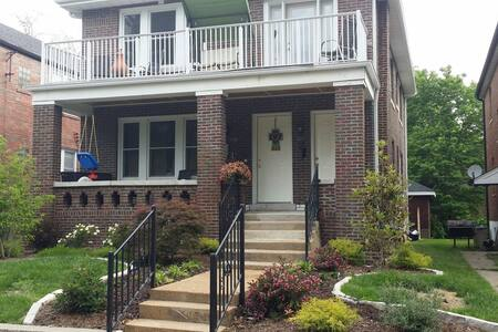 2Bd/1Ba minutes to downtown StL (2) - St. Louis - Hus