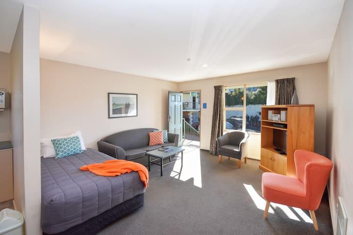 Alexis Motor Lodge One Bedroom Spa