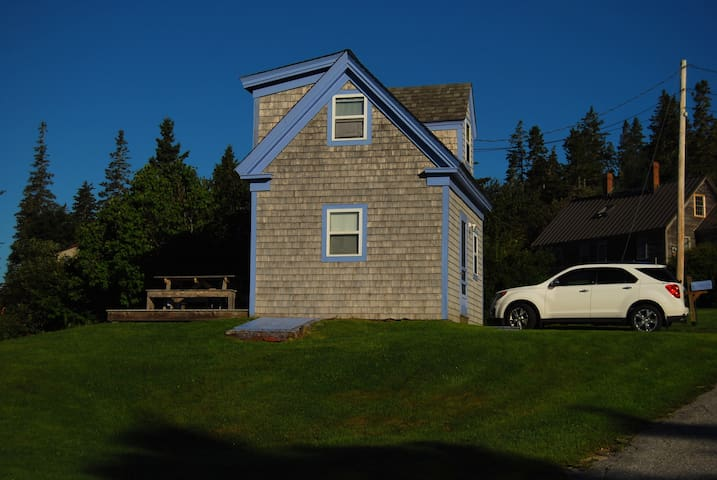 (URL HIDDEN) - Deer Isle - House