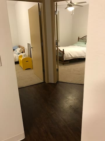 Modern apartment with free parking and laundry - Madison - Pis
