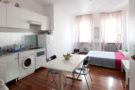 Centralissimo Duomo - Milano - Apartment