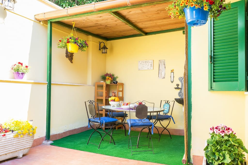 maison bon march avec jardin m tro bus train appartements louer rome latium italie. Black Bedroom Furniture Sets. Home Design Ideas