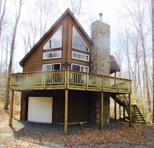 Our Upscale Chalet - Tobyhanna