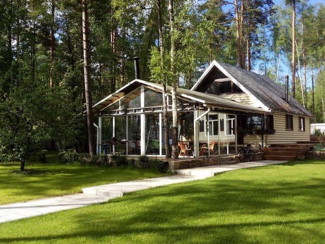 Прекрасный и уютный дом на берегу Финского залива