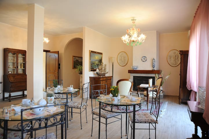B&B Paola e Francesco doppia/tripla - San Martino Siccomario - Bed & Breakfast